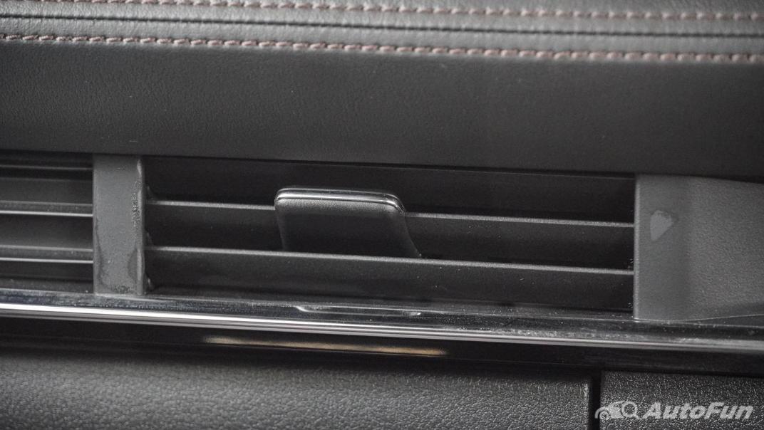 2020 Mazda 3 Fastback 2.0 SP Sports Interior 032