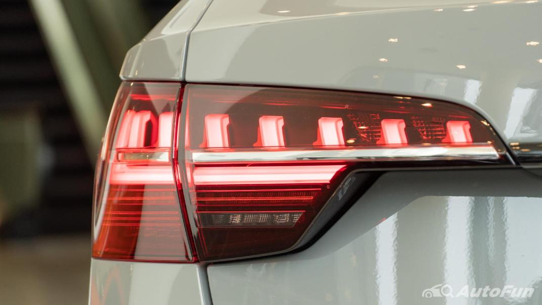 2020 Audi A4 Avant 2.0 45 TFSI Quattro S Line Black Edition Exterior 078