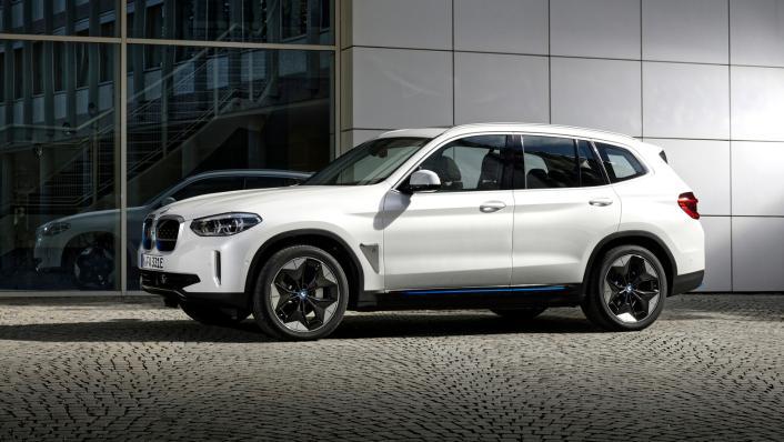2021 BMW iX3 M Sport Exterior 001