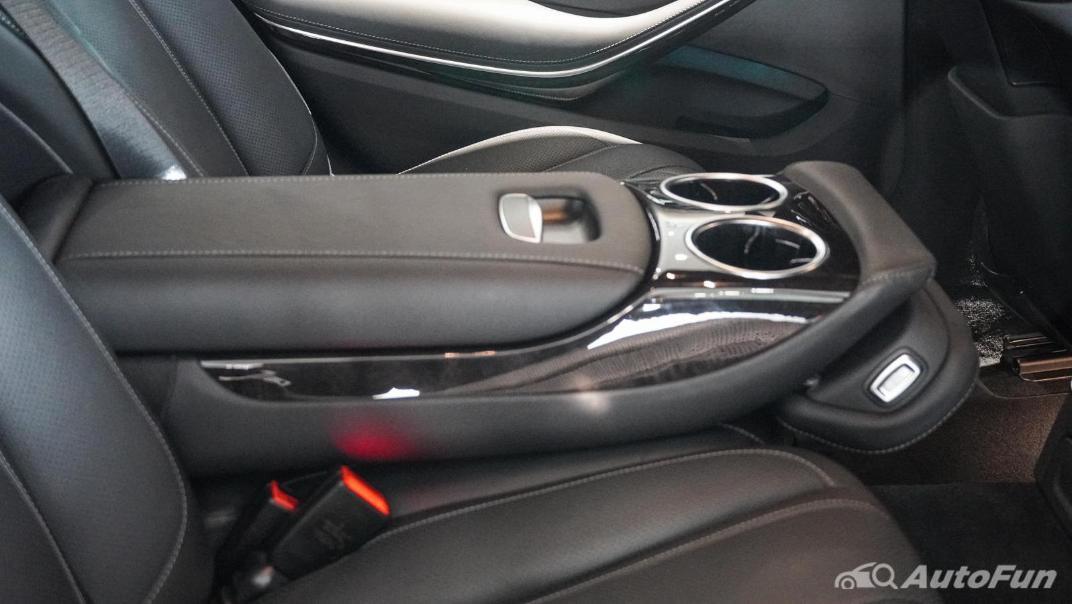 Mercedes-Benz S-Class S 560 e AMG Premium Interior 062