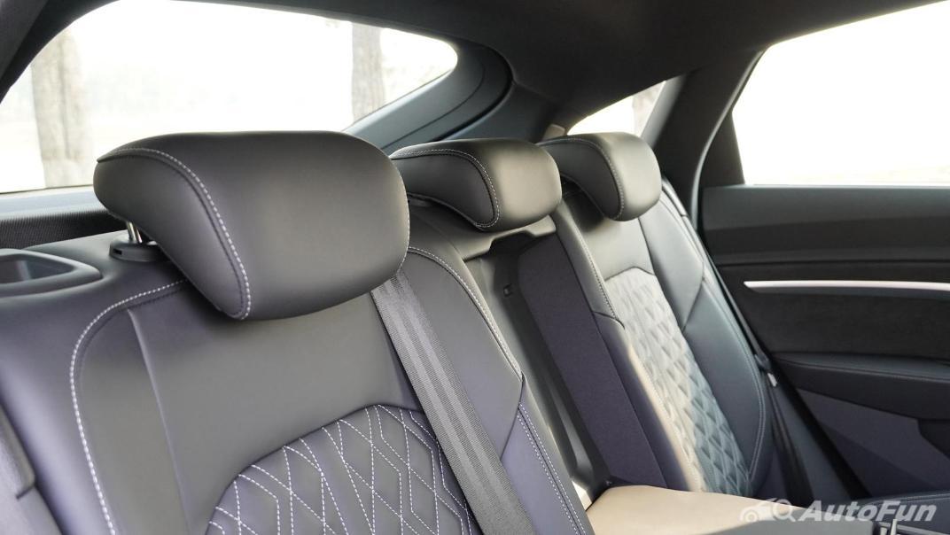 2020 Audi E Tron Sportback 55 quattro S line Interior 051