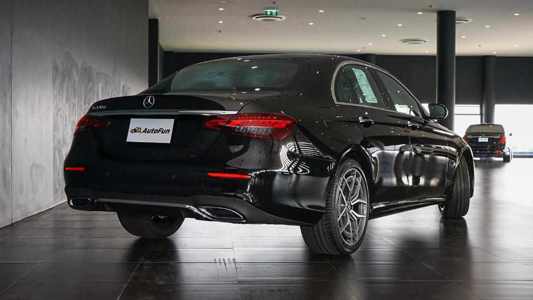 2021 Mercedes-Benz E-Class Saloon E 220 d AMG Sport Exterior 009