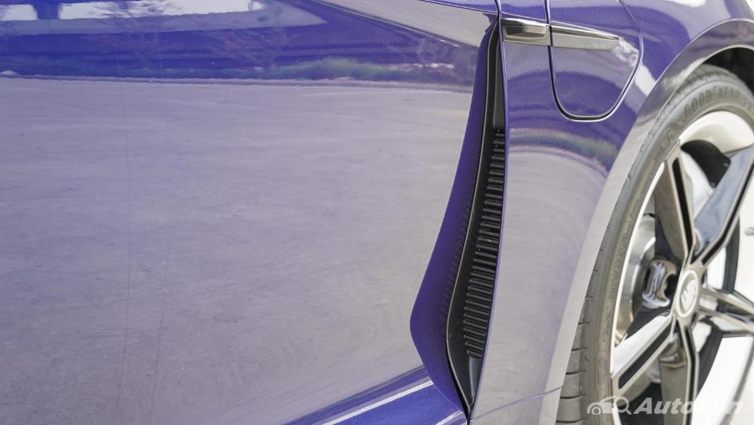2020 Porsche Taycan Turbo Exterior 022