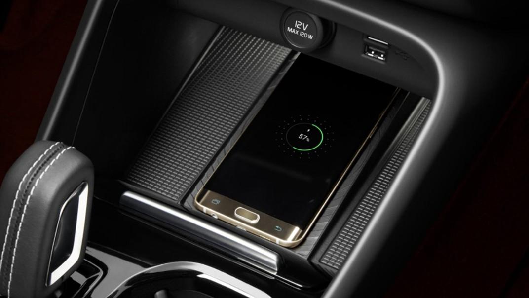 Volvo XC 40 2020 Interior 014