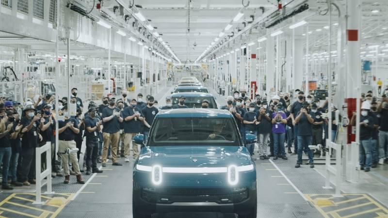 Rivian R1T กระบะไฟฟ้าอเมริกันคันแรก เริ่มผลิตแซงหน้า Tesla ในราคา 2.4 ล้าน 02