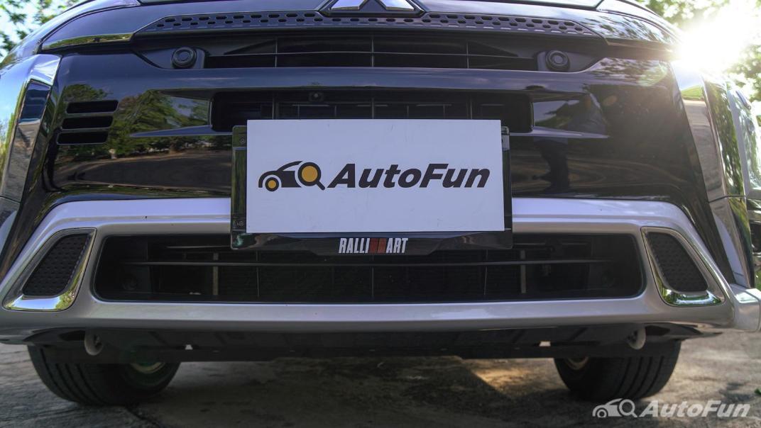 2021 Mitsubishi Outlander PHEV GT-Premium Exterior 012