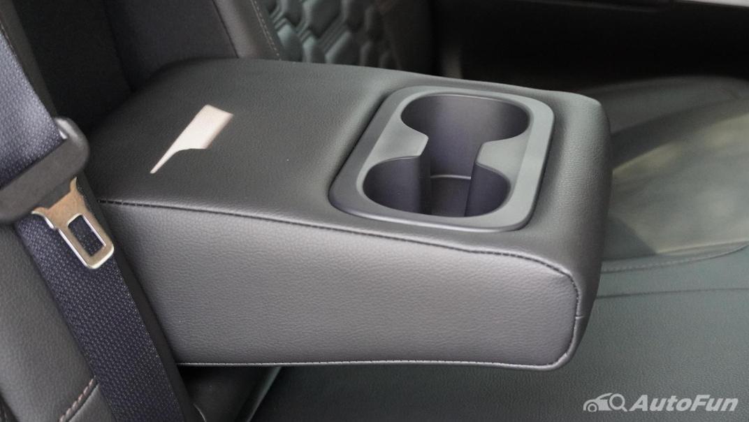 2021 Nissan Navara Double Cab 2.3 4WD VL 7AT Interior 044