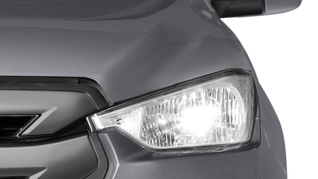 Isuzu D-Max Spark Public 2020 Exterior 005