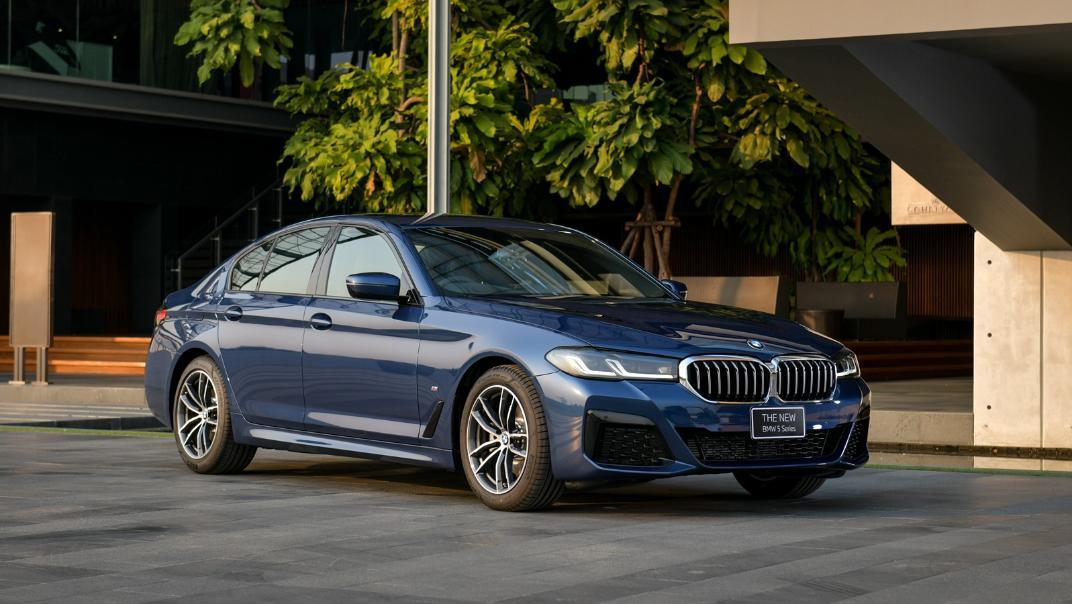 2021 BMW 5 Series Sedan 520d M Sport Exterior 026