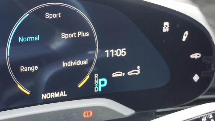 2020 Porsche Taycan Turbo Interior 005