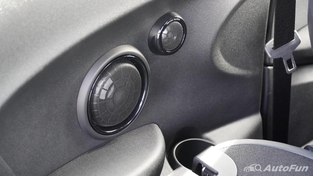 2021 MNI 3-Door Hatch Cooper S Interior 050