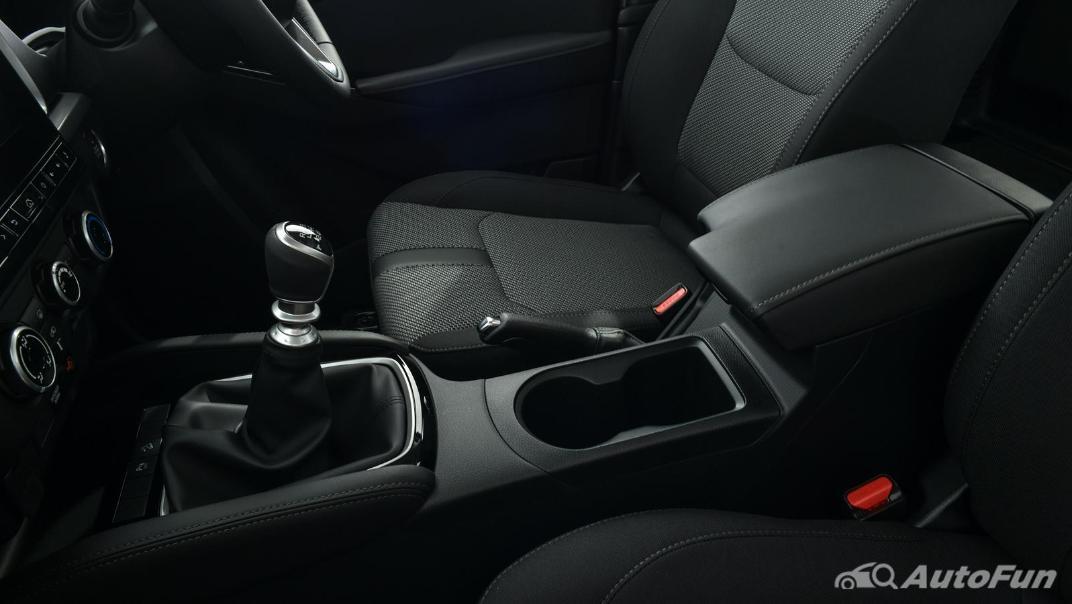 Mazda BT-50 Pro 2021 Interior 046