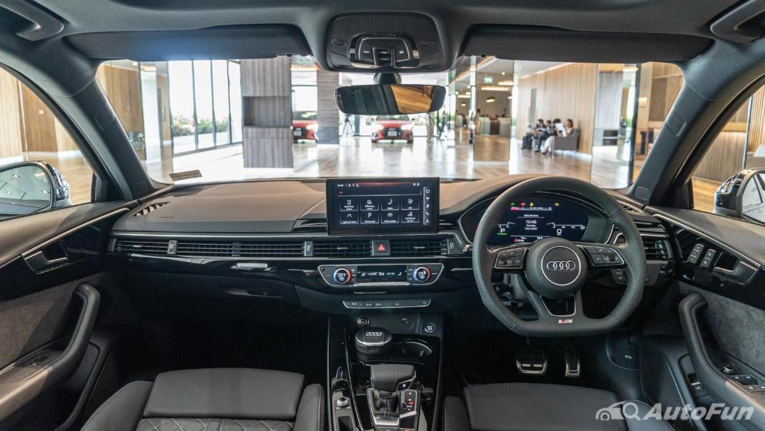 2020 Audi A4 Avant 2.0 45 TFSI Quattro S Line Black Edition Interior 078