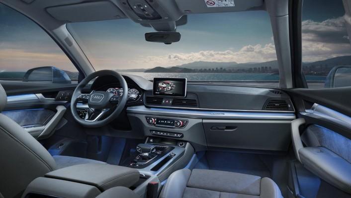 Audi Q5 2020 Interior 002