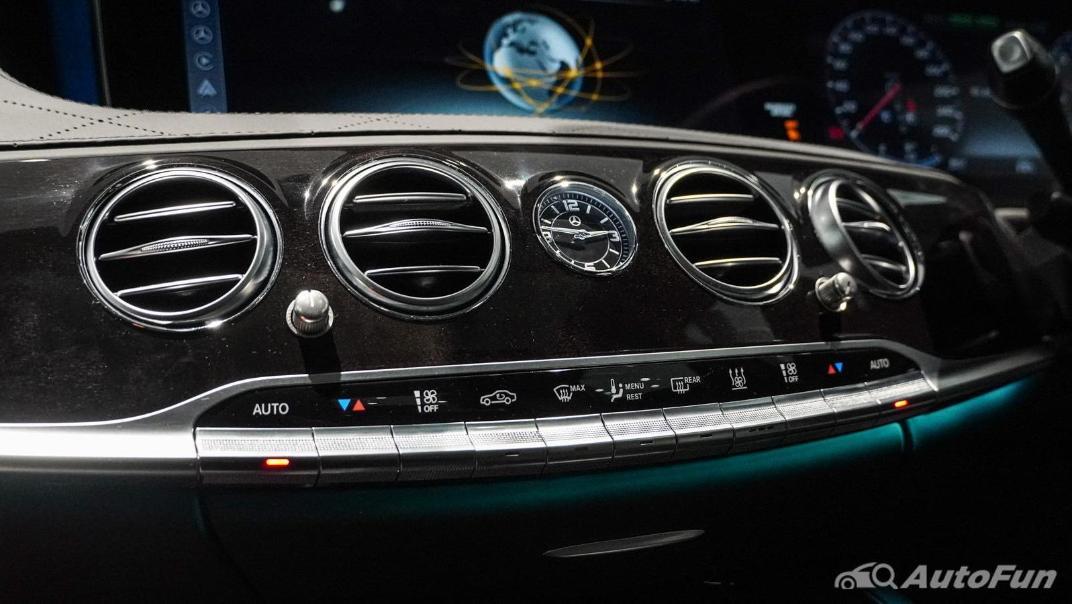 Mercedes-Benz S-Class S 560 e AMG Premium Interior 023