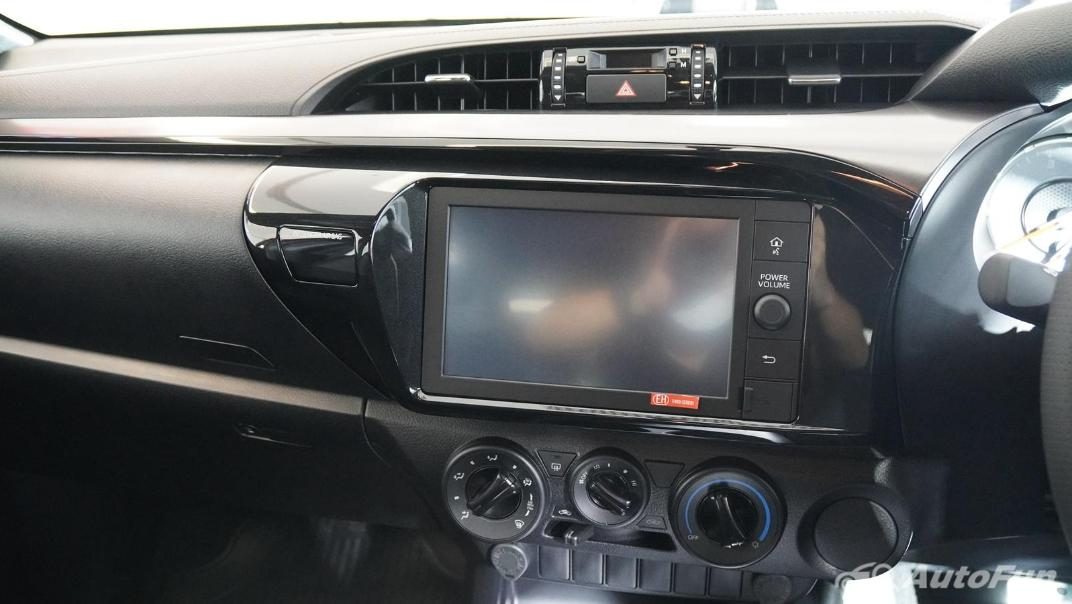 2021 Toyota Hilux Revo Double Cab 4x2 2.8 GR Sport AT Interior 008