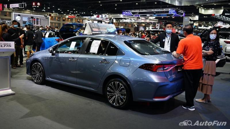 Toyota Corolla Altis เราว่าน่าใช้กว่า Corolla Cross ถ้าไม่ติดภาพว่าเป็นรถแท็กซี่นะ 02