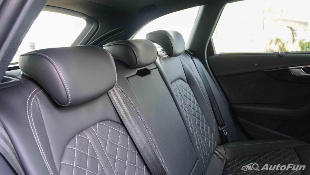 2020 Audi A4 Avant 2.0 45 TFSI Quattro S Line Black Edition Interior 079