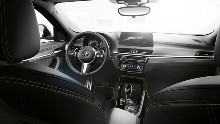 BMW X2 2020 Interior 001