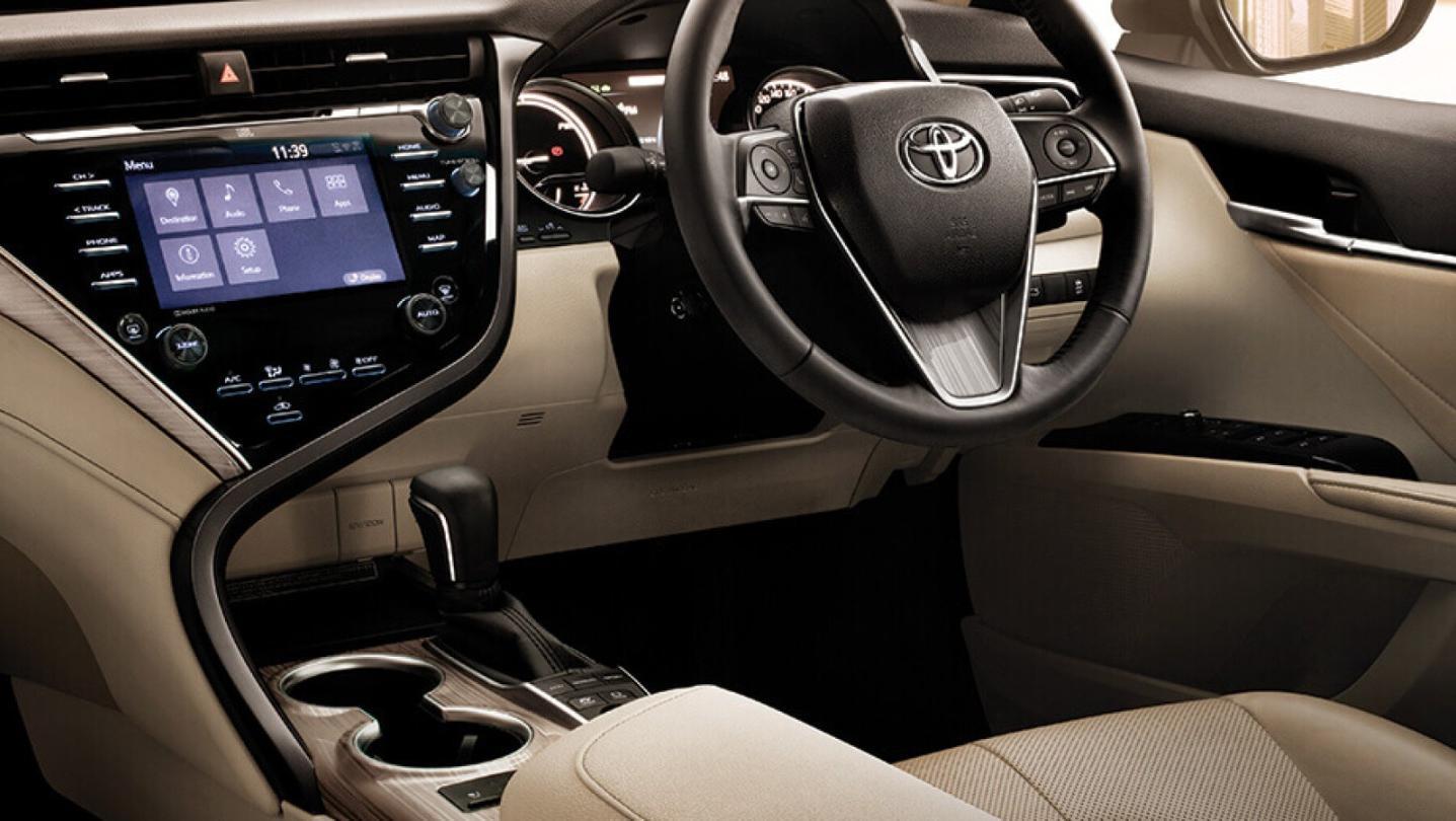 Toyota Camry 2020 Interior 012