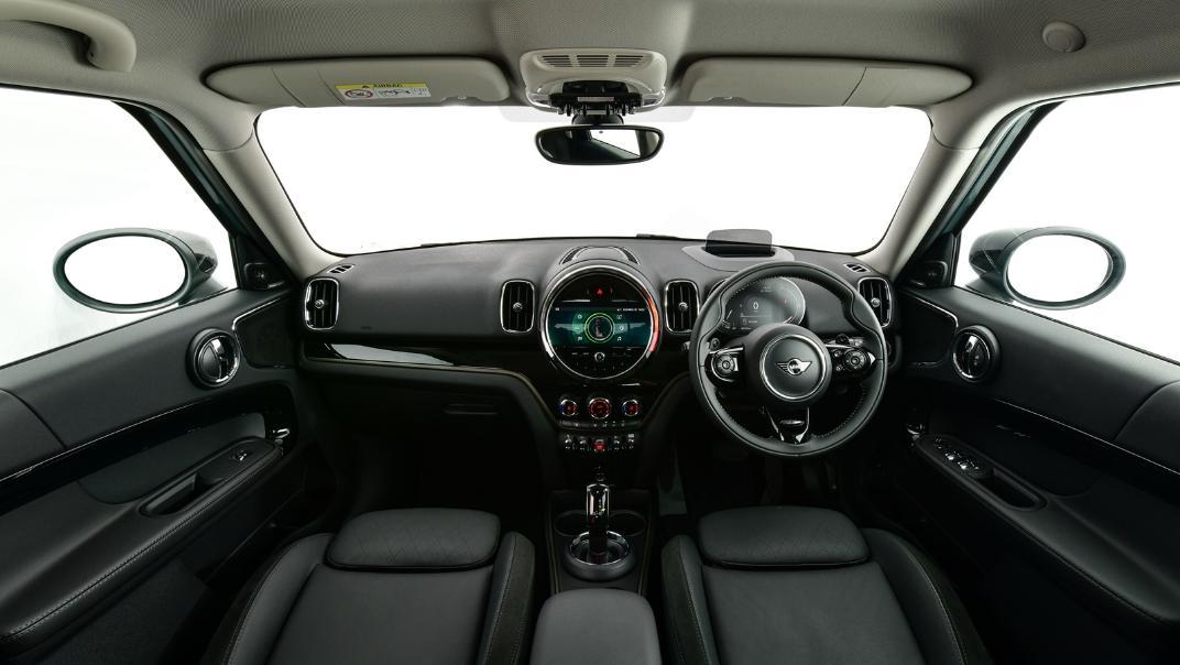 2021 Mini Countryman Interior 001