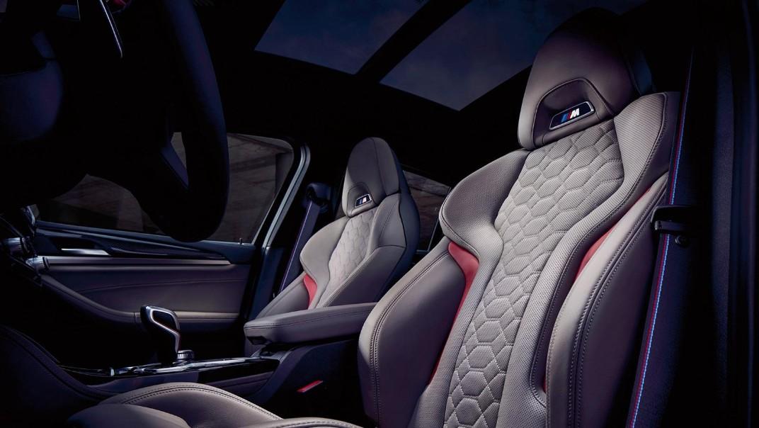 BMW X4-M Public 2020 Interior 010