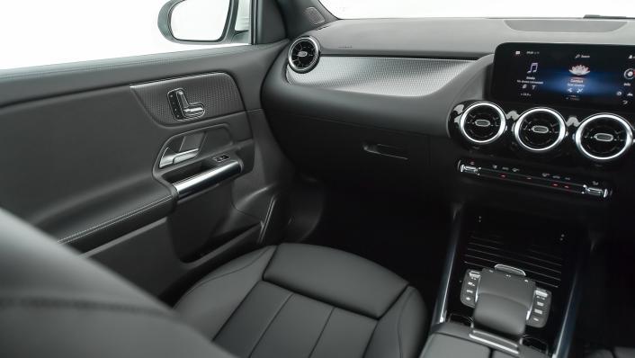 2021 Mercedes-Benz GLA-Class 200 Progressive Interior 008