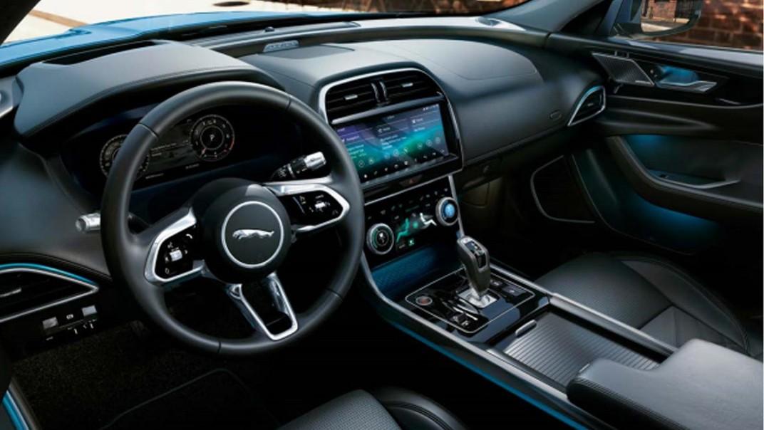 Jaguar XE Public 2020 Interior 002