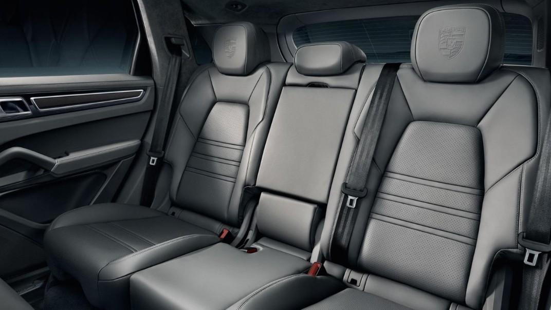 Porsche Cayenne Public 2020 Interior 002