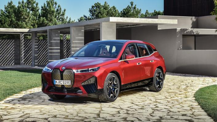 2021 BMW iX xDrive50 Sport Exterior 001