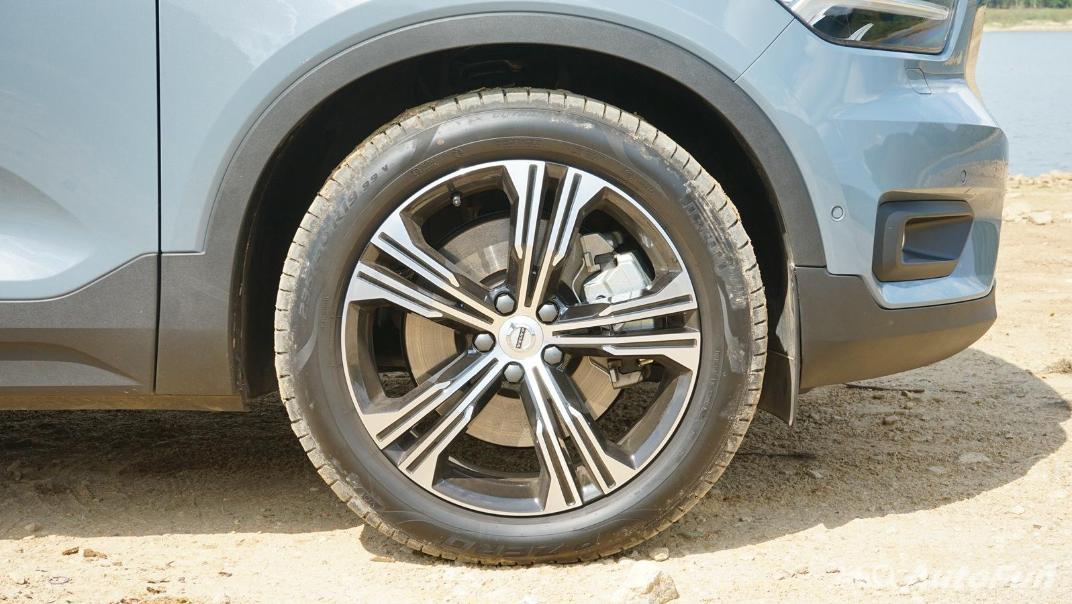 2020 Volvo XC 40 2.0 R-Design Exterior 042