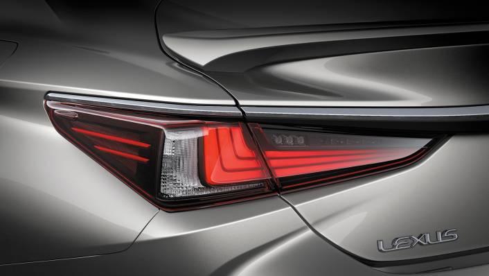 2021 Lexus ES 300h Premium Exterior 008