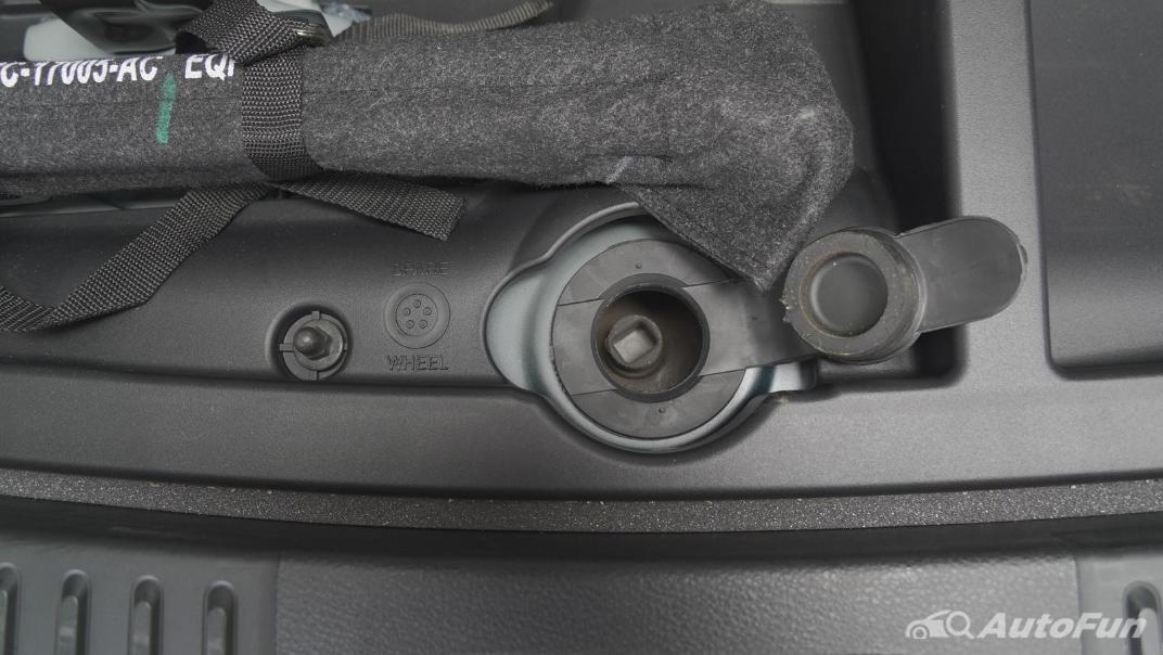 2021 Ford Everest 2.0L Turbo Titanium 4x2 10AT - SPORT Interior 075
