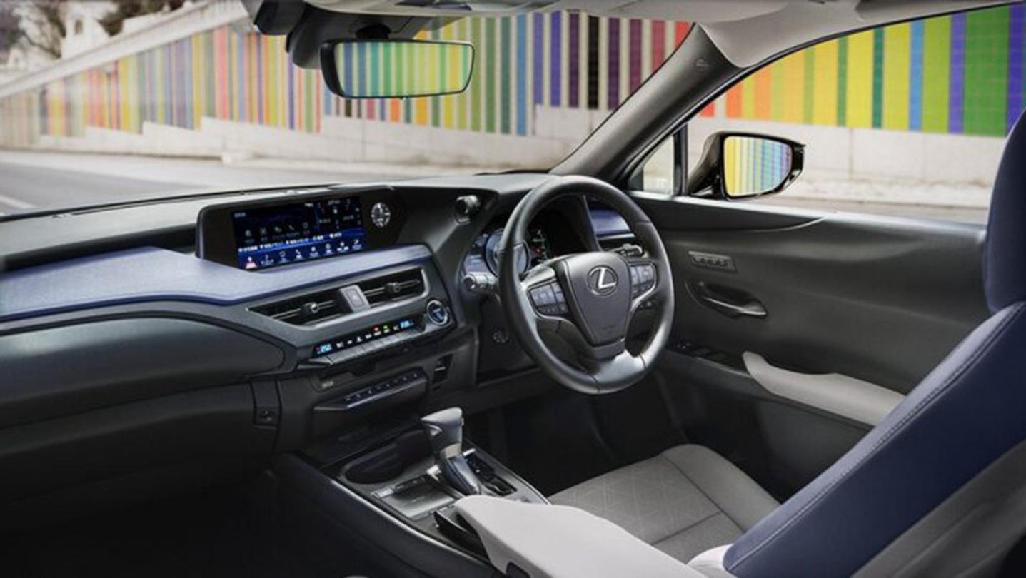 Lexus UX 2020 Interior 002