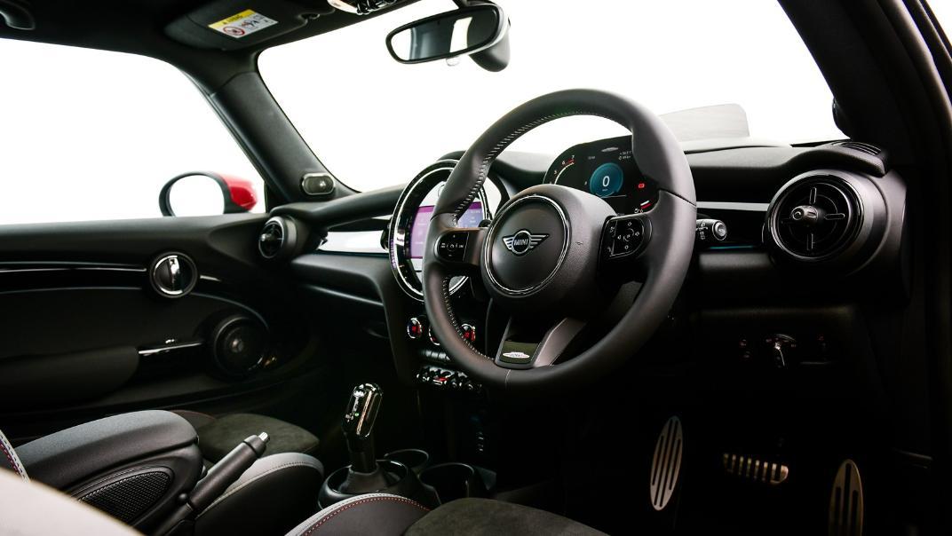 2021 Mini 3-Door Hatch John Cooper Works Interior 005