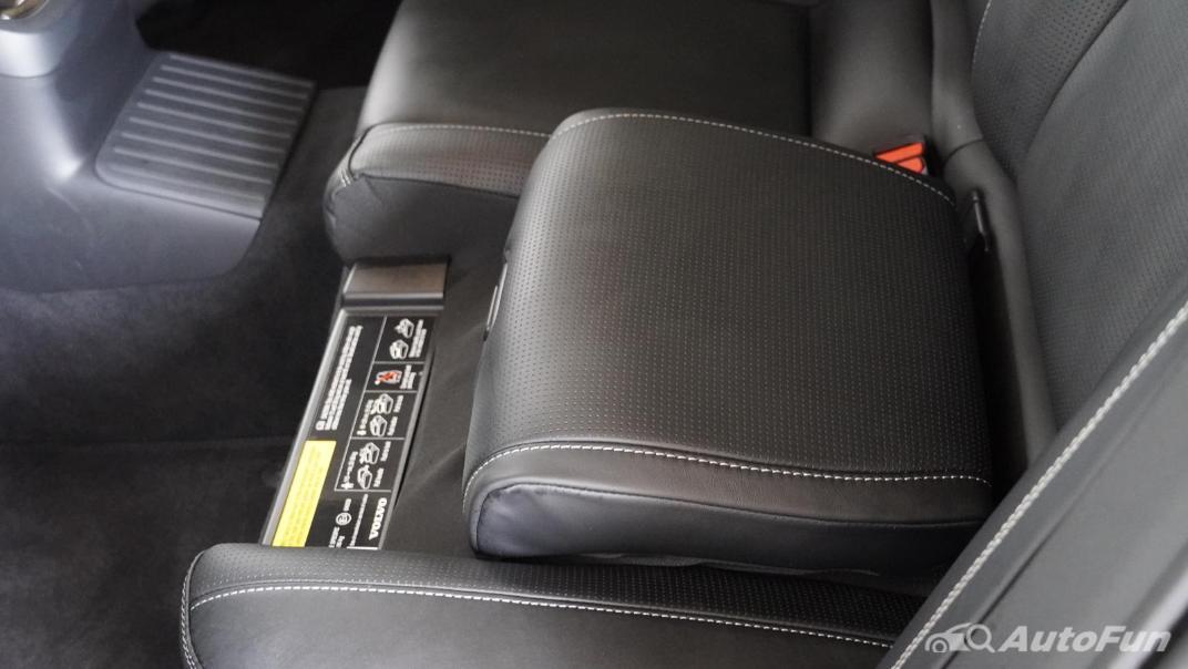 2021 Volvo S90 Recharge Interior 032