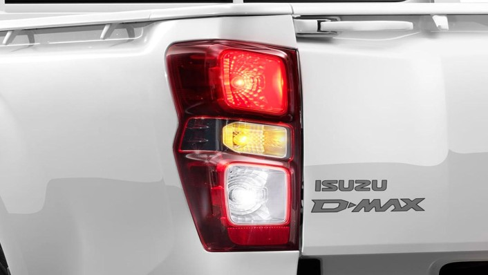 Isuzu D-Max Spark Public 2020 Exterior 006