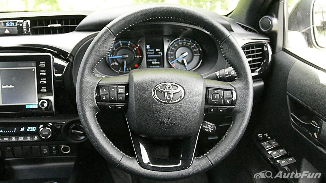 2020 Toyota Hilux Revo Double Cab 4x4 2.8High AT Interior 007