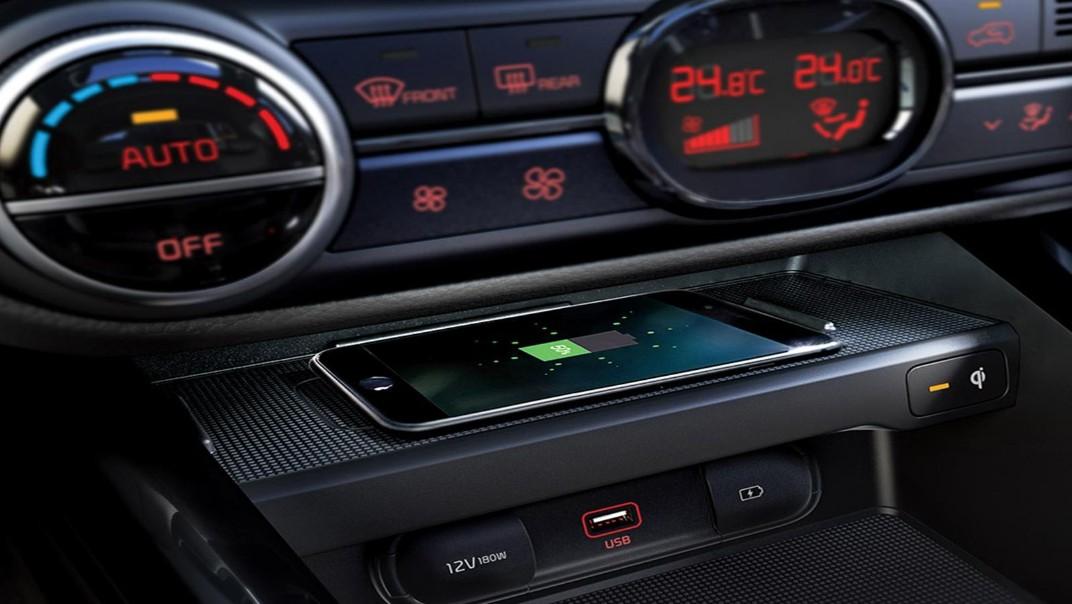Kia Soul EV 2020 Interior 012