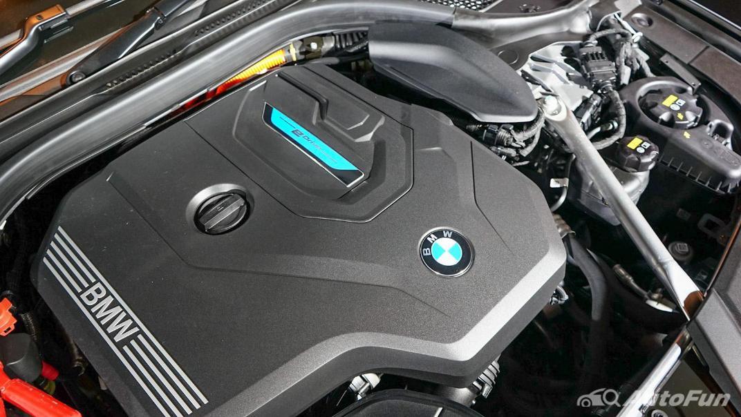 2021 BMW 5 Series Sedan 530e M Sport Others 002