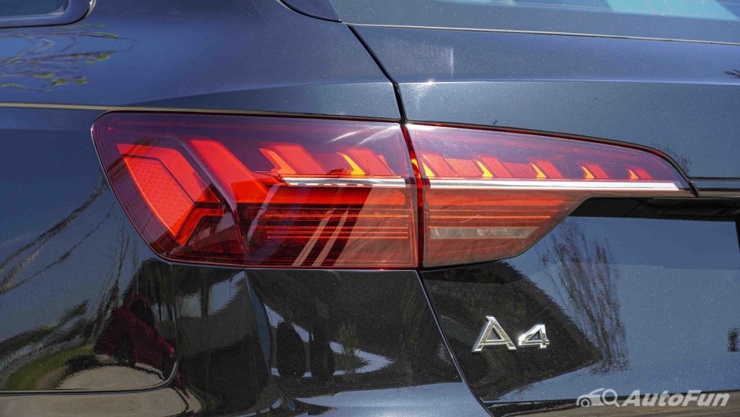 2020 Audi A4 Avant 2.0 45 TFSI Quattro S Line Black Edition Exterior 017