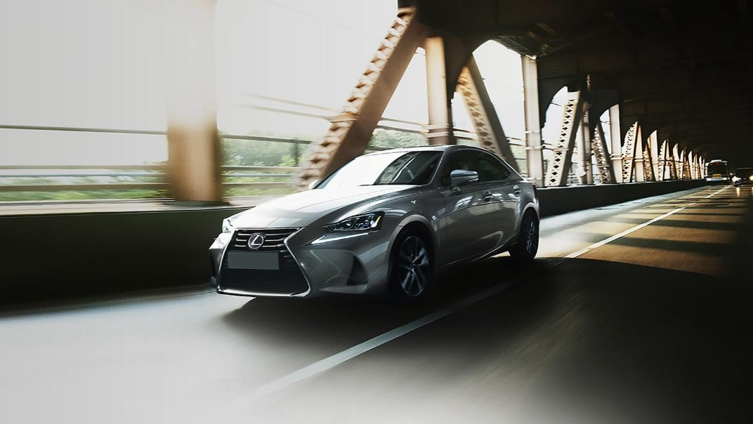 Lexus IS 2020 Exterior 011