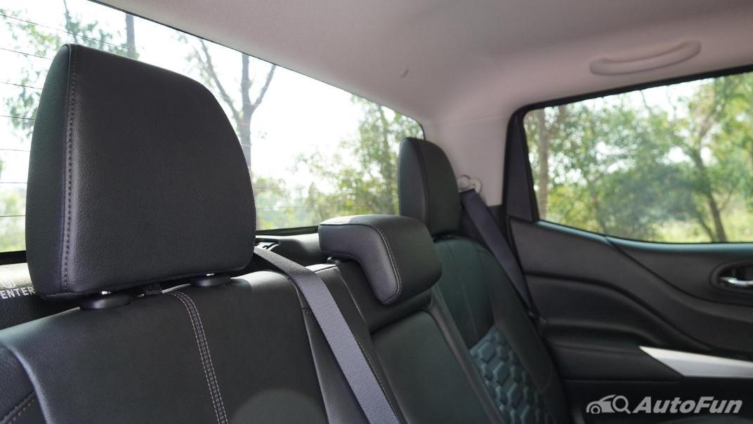 2021 Nissan Navara Double Cab 2.3 4WD VL 7AT Interior 042