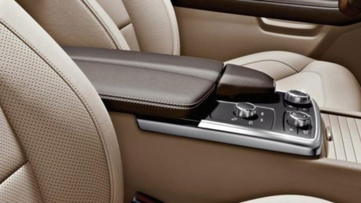 Mercedes-Benz M-Class 2020 Interior 003