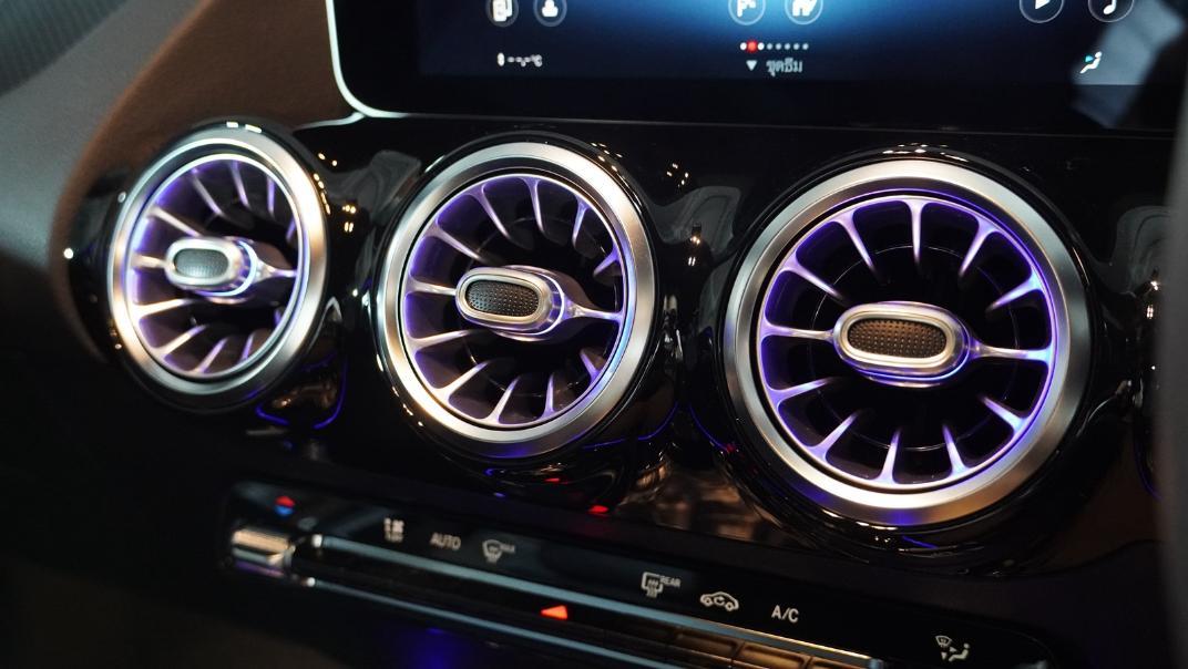 2021 Mercedes-Benz GLA-Class 200 AMG Dynamic Interior 011
