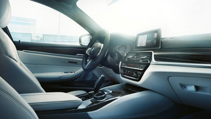 BMW 5-Series-Sedan 2020 Interior 004