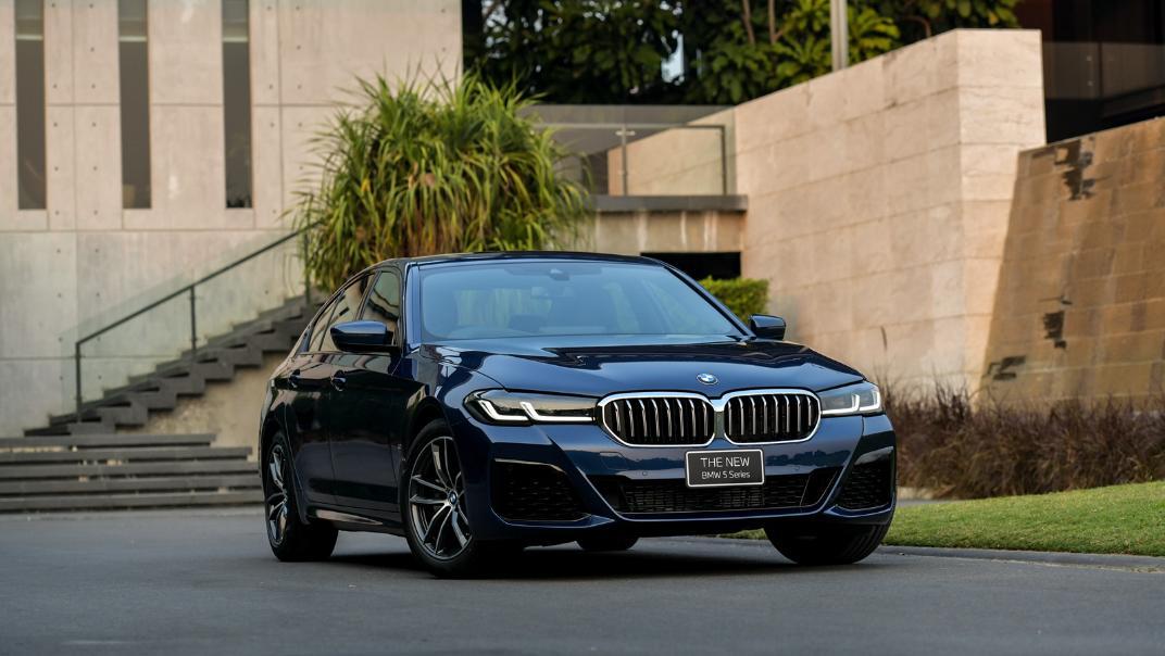 2021 BMW 5 Series Sedan 520d M Sport Exterior 024