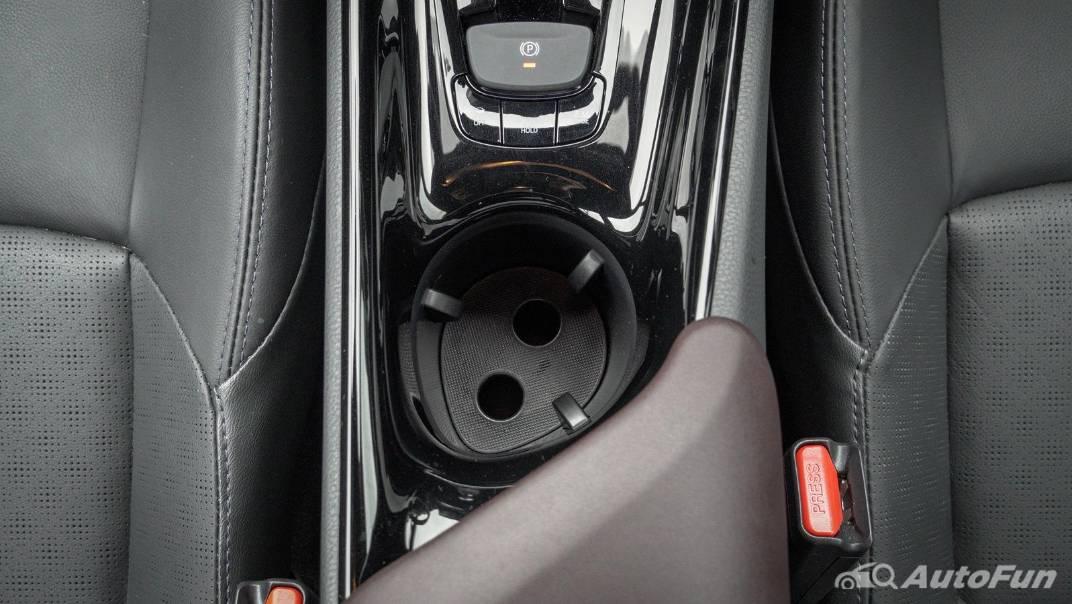 2021 Toyota C-HR Hybrid Premium Safety Interior 047