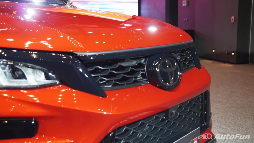 2021 Toyota Fortuner 2.8 GR Sport 4WD Exterior 012