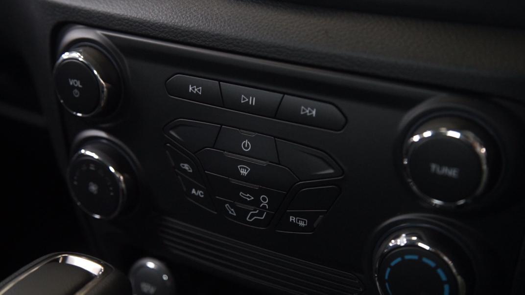 2021 Ford Ranger XLT Interior 002